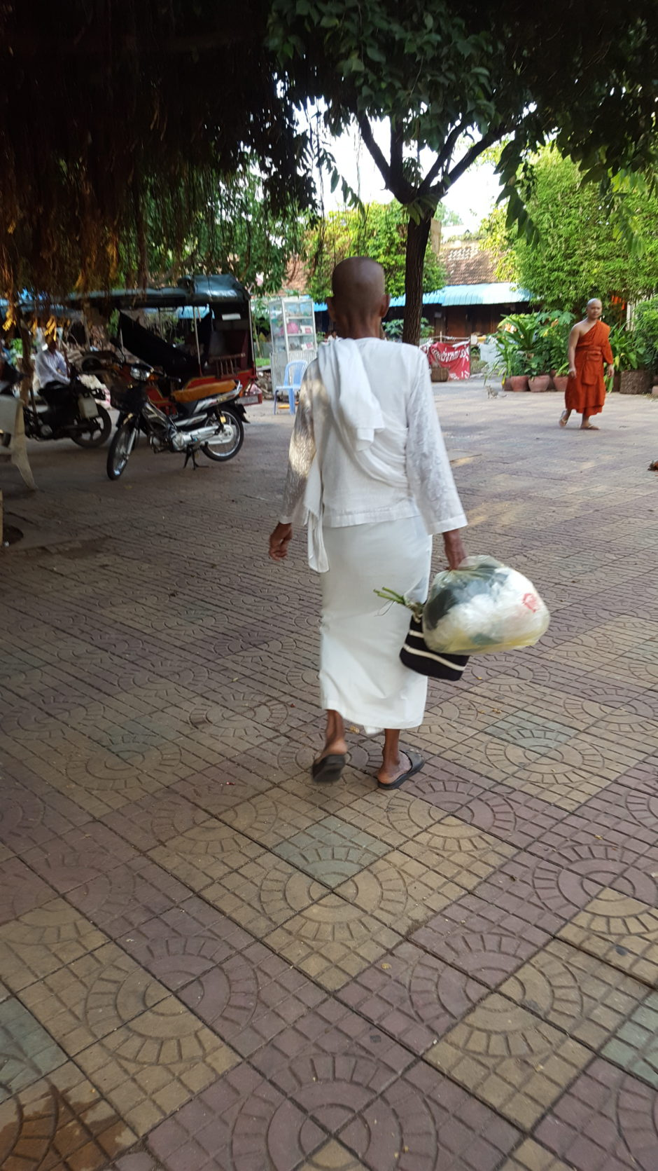 Chamso leaving pagoda phnom penh elderly